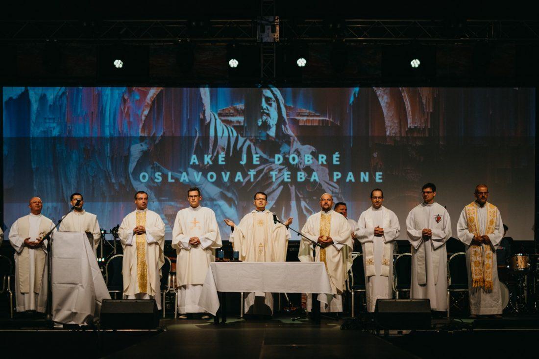 ZAČIATKOM MÁJA SA USKUTOČNÍ HISTORICKY PRVÁ ONLINE GODZONE KONFERENCIA